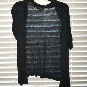 Short sleeve cardigan - fits like a large